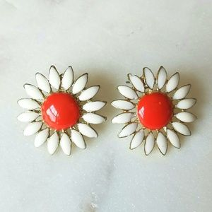 Jewelry - White and coral vintage flower earrings